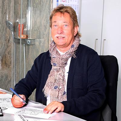 Hier sehen Sie Mario Conradi, Ihren Ansprechpartner im Badstudio Dresden